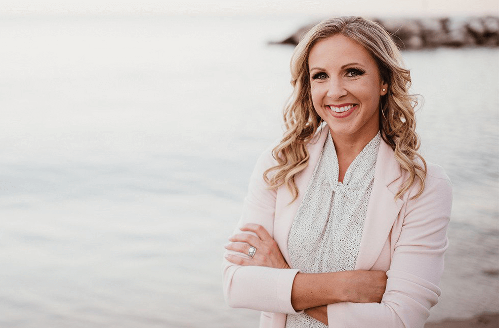 EPISODE 150: HOW TO CREATE VIDEOS THAT GET ATTENTION AND GROW YOUR BUSINESS, WITH AMY SCHMITTAUER